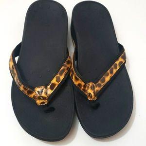VIONIC 380 High Tide Animal Print Sandals size 10